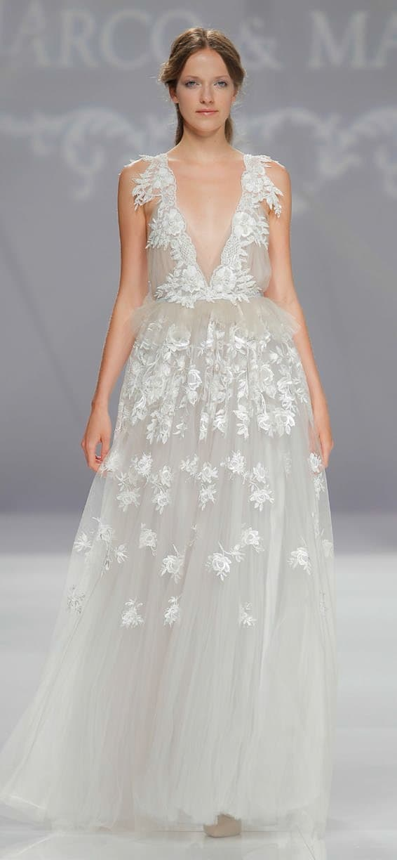 0d3144ba56b4 Jemné a romantické svadobné šaty - Marco   Maria
