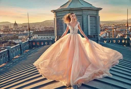 aa18f6b5f4 Galéria exkluzívnych svadobných a spoločenských šiat z našej ponuky.  Snívajte s nami.