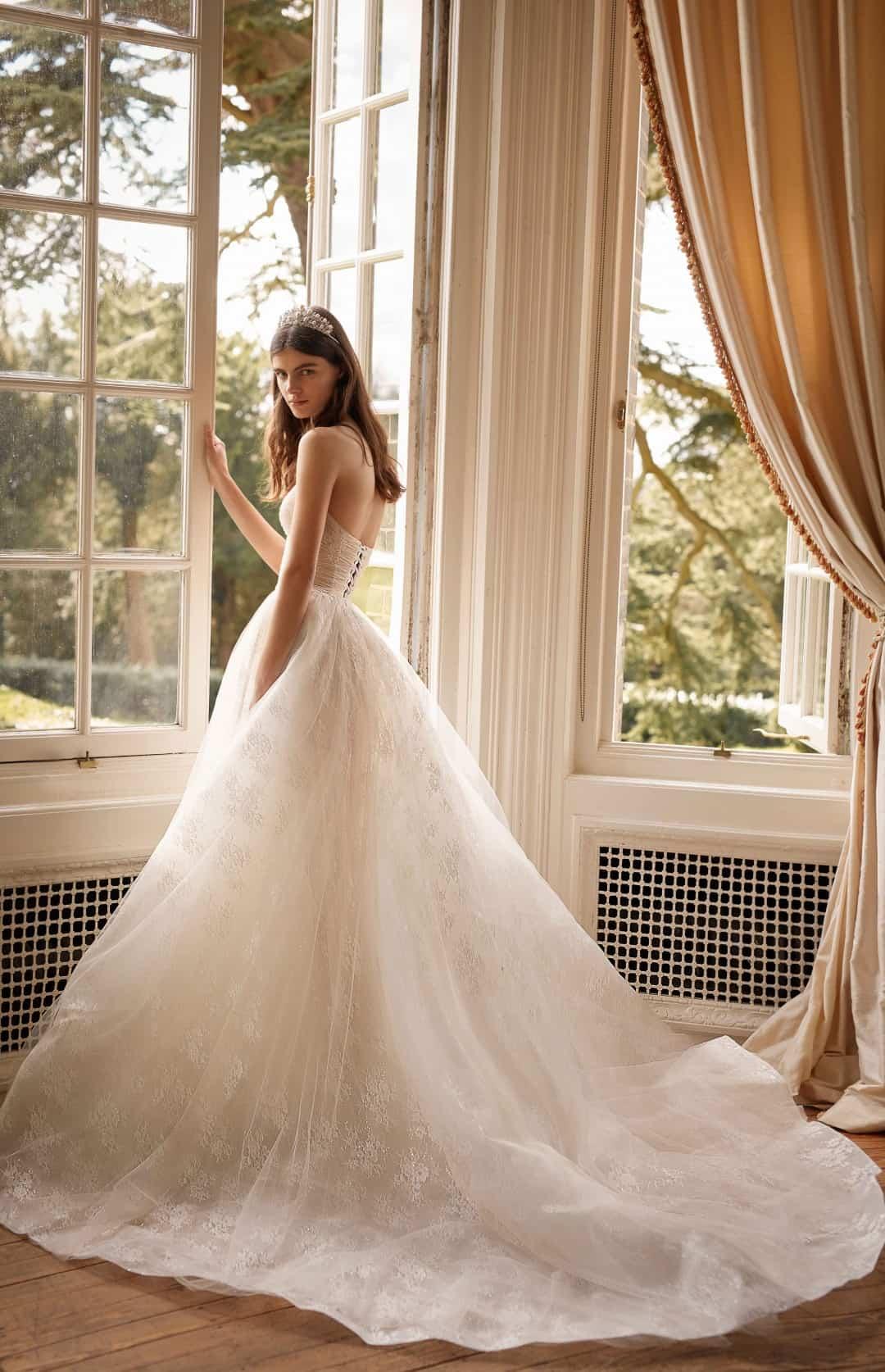 Exkluzívne svadobné a spoločenské šaty - G-506-B