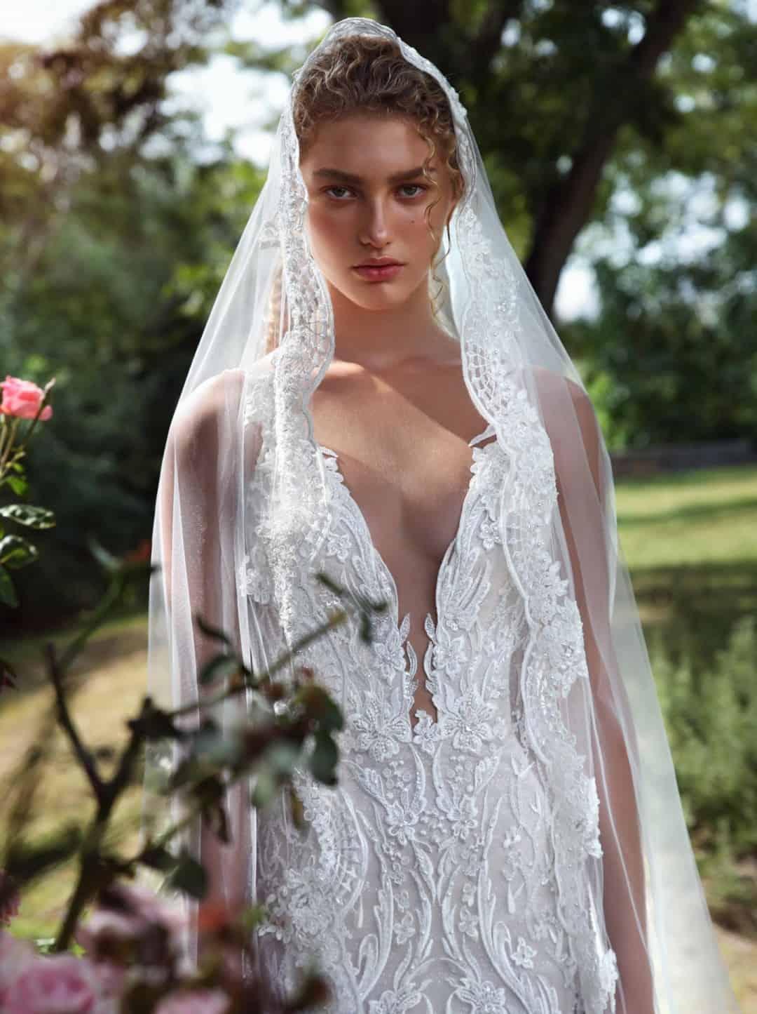 Haute Couture esküvöi ruhák - G-207-front-medium