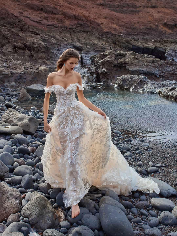 Haute Couture esküvöi ruhák - GALA-1010-front